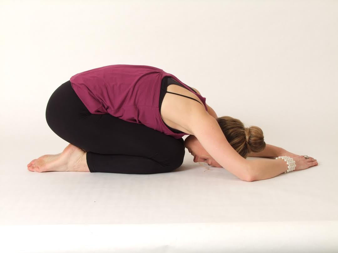 4 Yoga Poses For Natural Weight Loss | FOOD MATTERS®