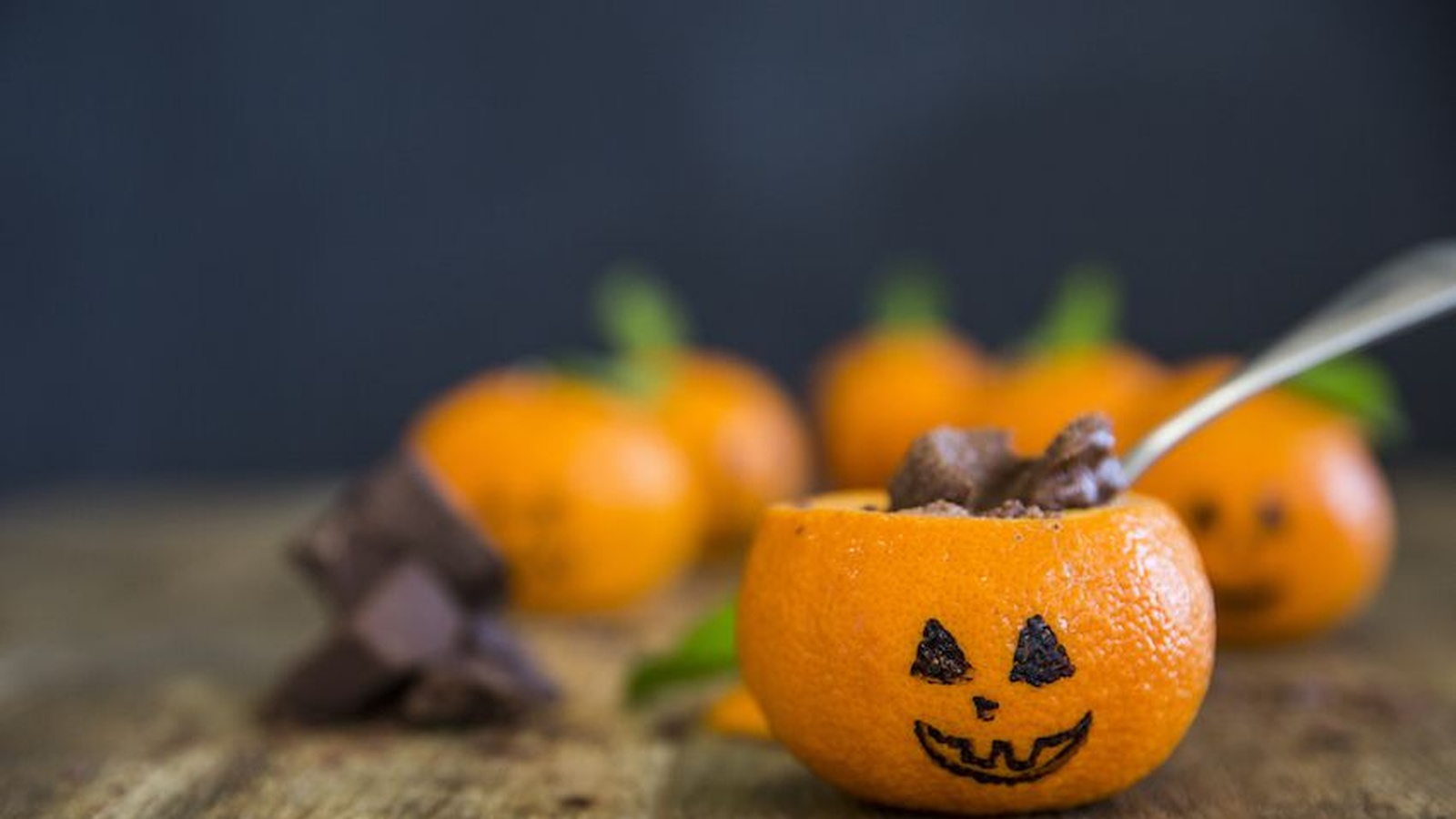 CHOCOLATE MOUSSE JACK O' LANTERNS
