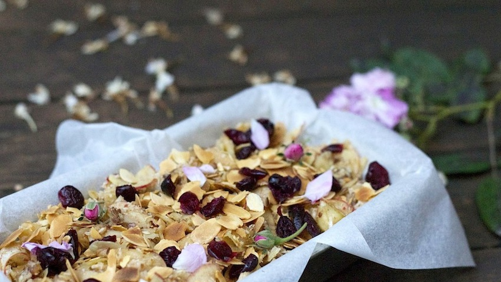 Raw Apple Pie with Almonds, Coconut and Ginger
