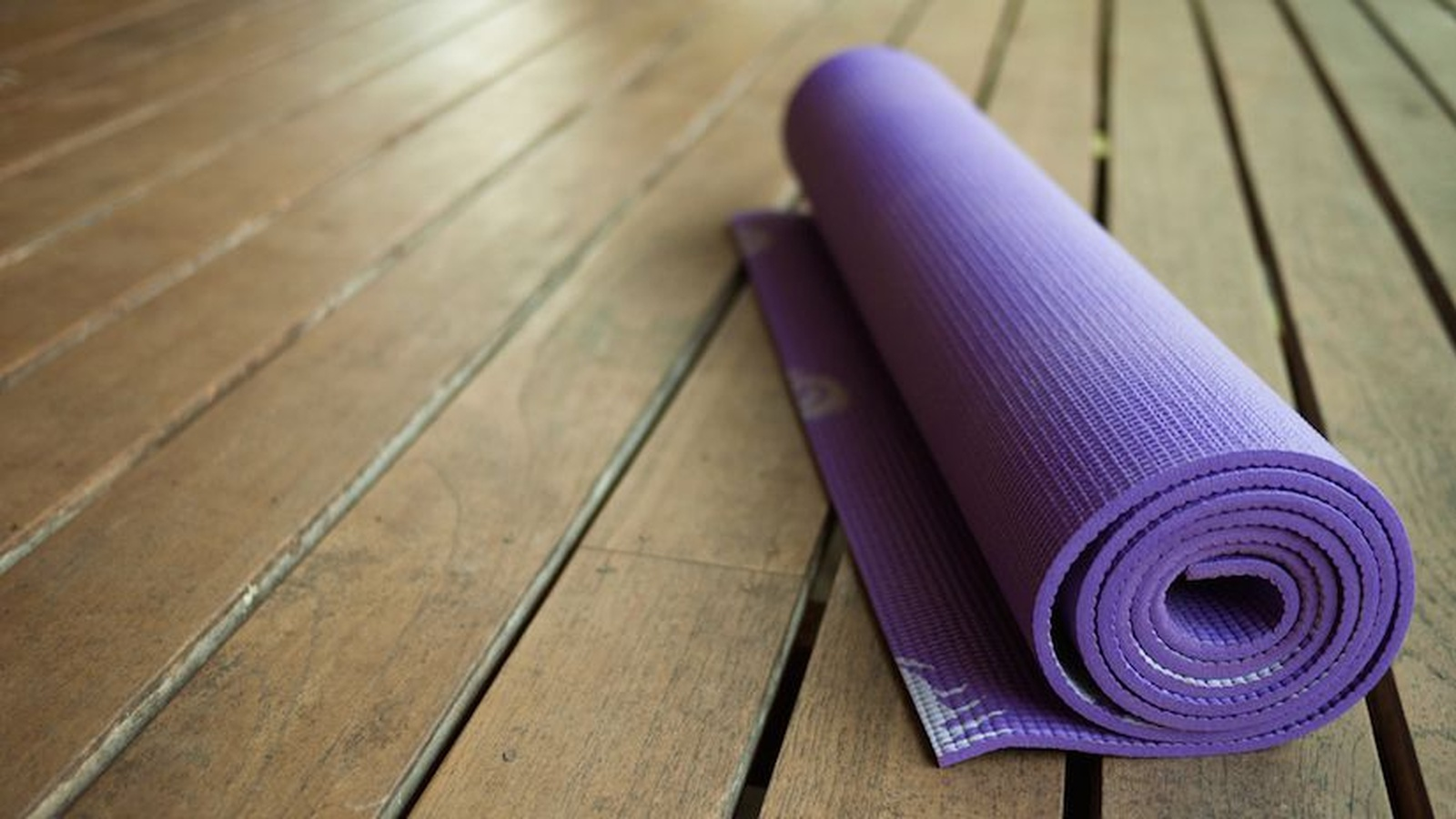 Six Ways Yoga Can Help You Lose Weight