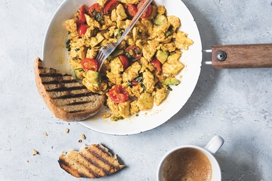 Healthy recipes nutritious delicious ideas food matters vegan spicy scrambled tofu forumfinder Choice Image