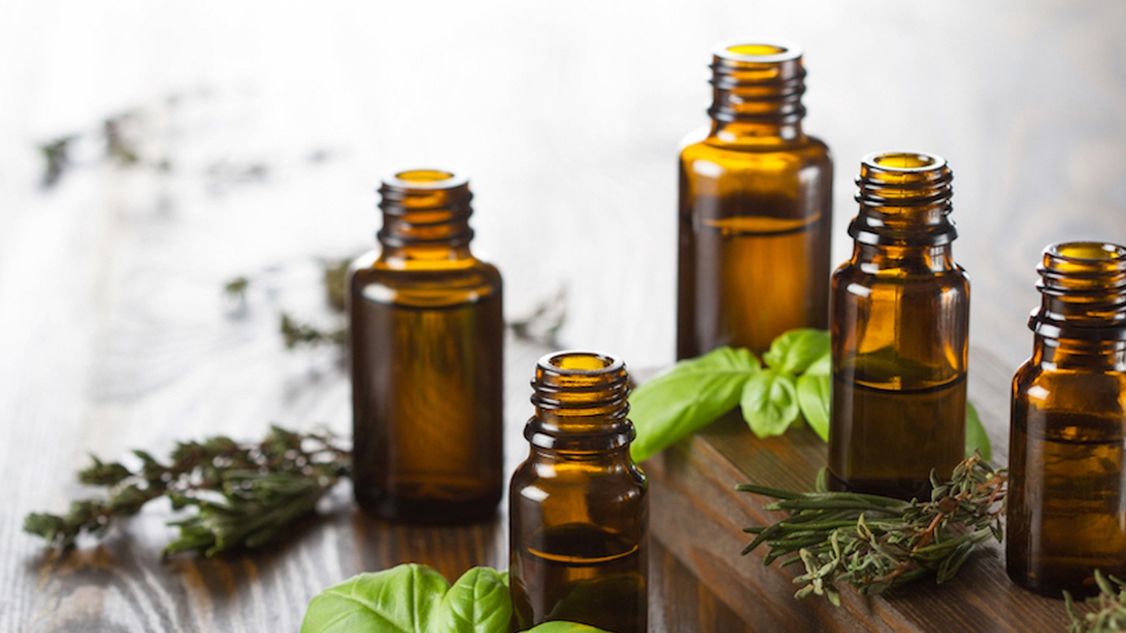 Essential Oils For Your At Home First-Aid Kit