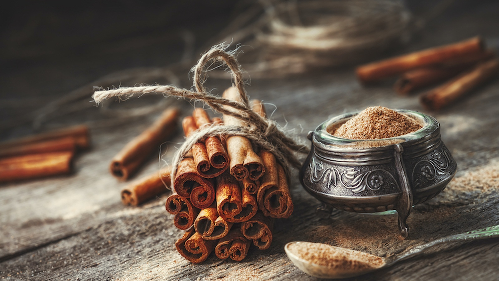 5 Health Benefits of Cinnamon and Our Favorite Recipes