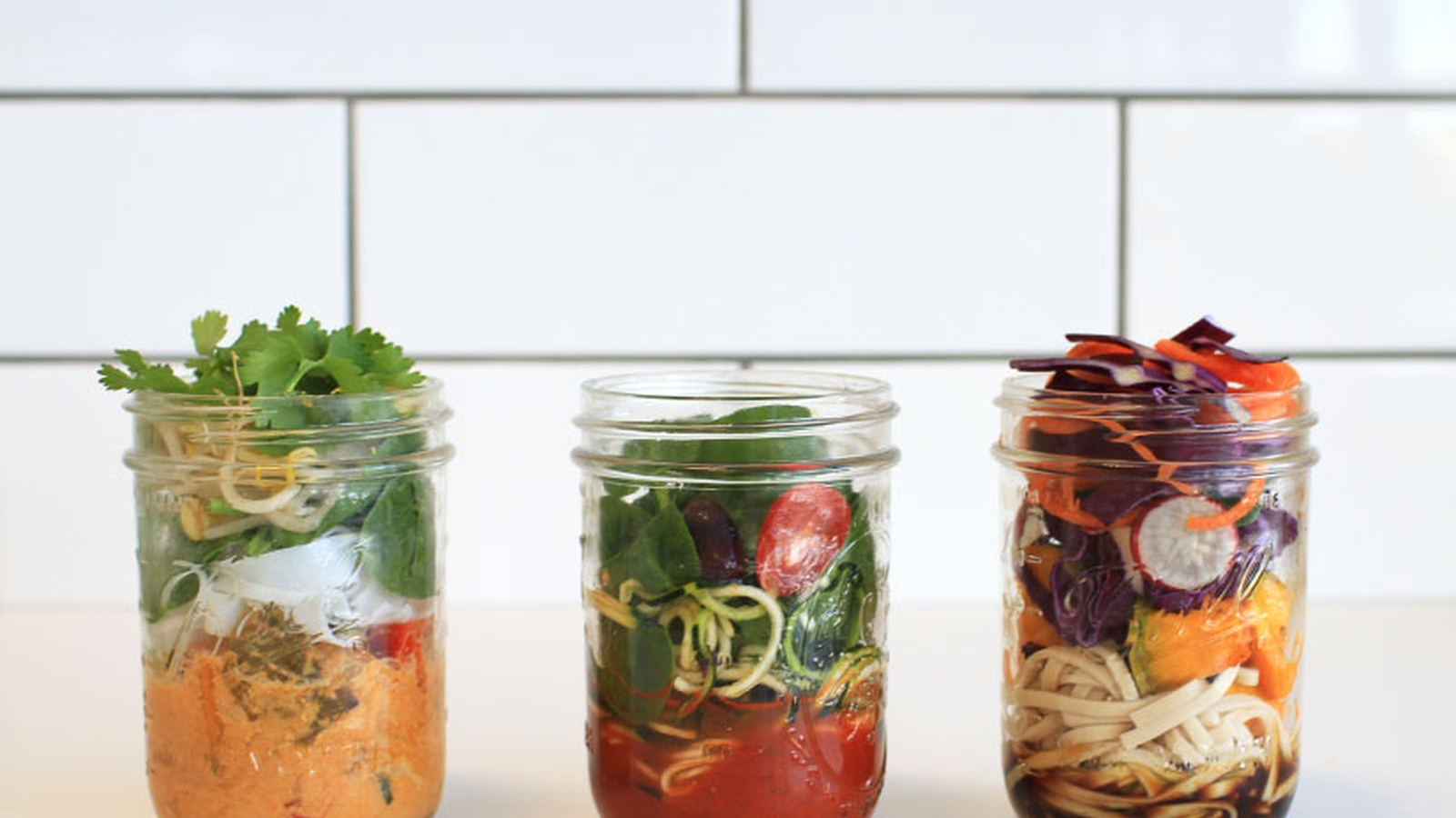 3 Healthy Jar Lunches to Get You Inspired
