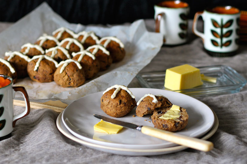Gluten Free Hot Cross Buns With Lemon Cashew Cream