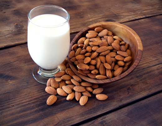 How to Make Nutrient-Rich, Additive-Free Nut Milks In Under 5 Minutes: Almond, Brazil, Pecan, Macada