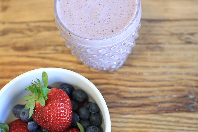 Super Berry Smoothie (Recipe)