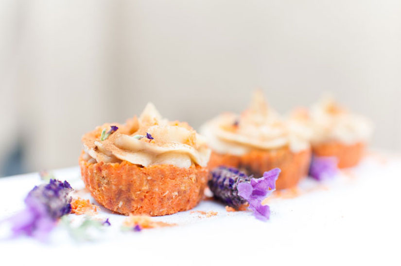 Raw Carrot Cake Cupcakes (Recipe)