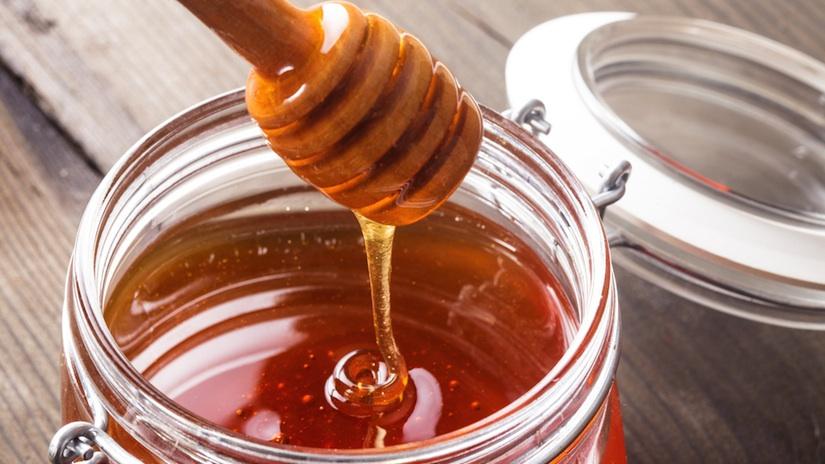 The Healing Power of Honey - From Burns To Weak Bones