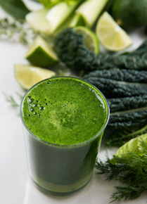 Juicing vs  Blending: Which One Is Better? | FOOD MATTERS®