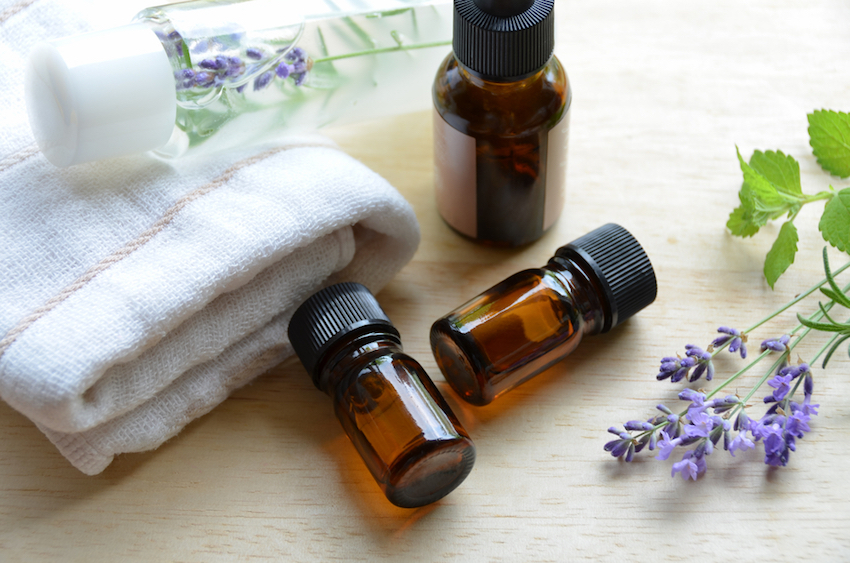 6 Healing Essential Oils For Anyone With Inflamed, Dry, Itchy, or Patchy Skin