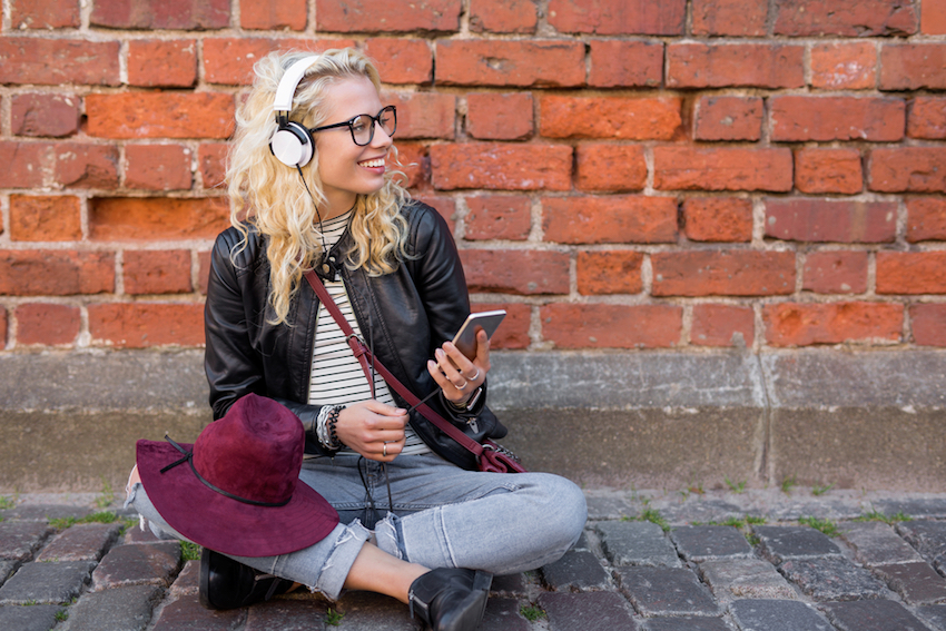9 Podcasts We'll Be Listening to This Year (Health, Nutrition, Fitness, Self-Help, Professional)