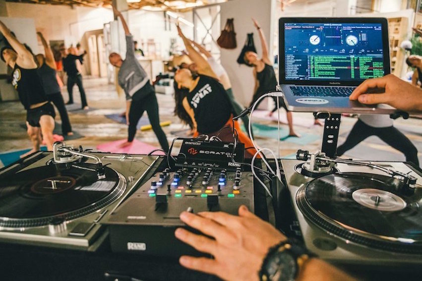The Hip Hop Yoga Playlist To Try At Home Food Matters 174