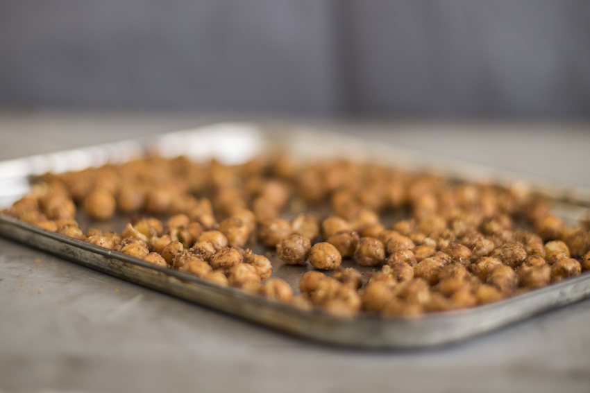 Crispy Roasted Chickpeas (Quick And Healthy Snacks)